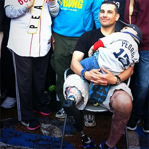 Thousands turn out for #BostonStrong photo shoot[pics]
