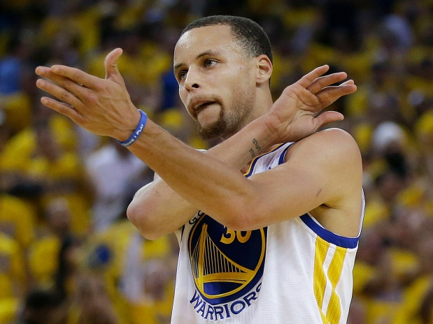Steph Curry says he's a better offensive player than LeBronJames